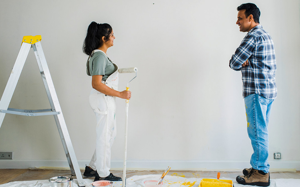 techniques-to-Paint-your-walls-to-look-small-living-room-bigger