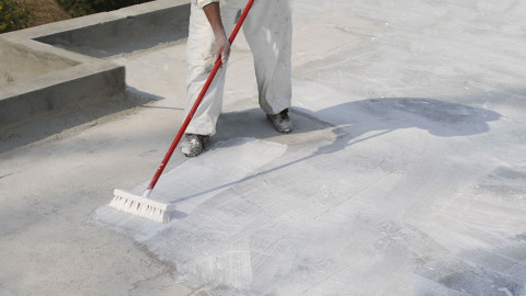 choose-the-right-waterproofing-paint-for-roof